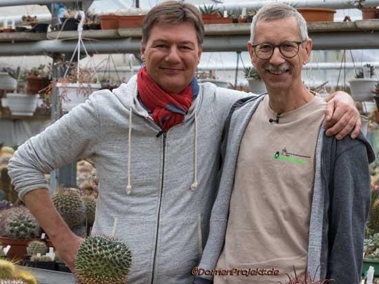 Dieter Voss und der Kaktusmichel am Drehtag zu Herrliches Hessen in Otzberg, bei uns in der Gärtnerei©DornenProjekt.de